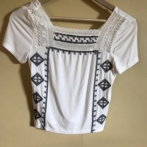 Sale 2/22 🎉 AEO cropped top